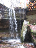 waterfall_on_outcroppings_trail.jpg